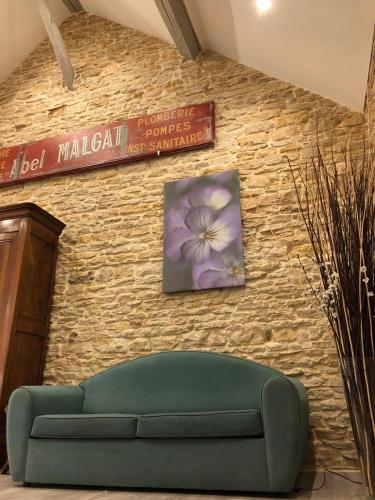 La Maison Madeleine, Bien-Être, Sauna et Jacuzzi : Guest accommodation near Vignoles