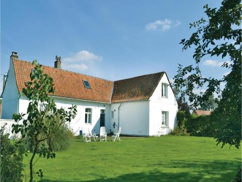Holiday Home Cheriennes with a Fireplace 07 : Guest accommodation near Yvrench