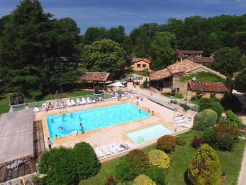 Domaine de Gavaudun : Guest accommodation near Saint-Martin-de-Villeréal