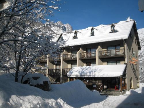 Hôtel le Glacier Blanc : Hotel near Pelvoux