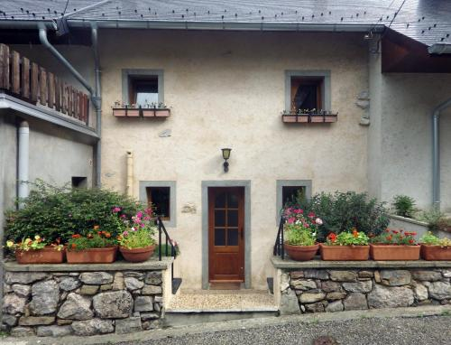 Gite, Close To Hautecombe Abbey, Lac du Bourget : Guest accommodation near Nattages