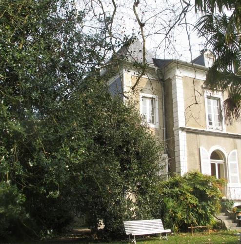 Villa Dampierre : Bed and Breakfast near Pau
