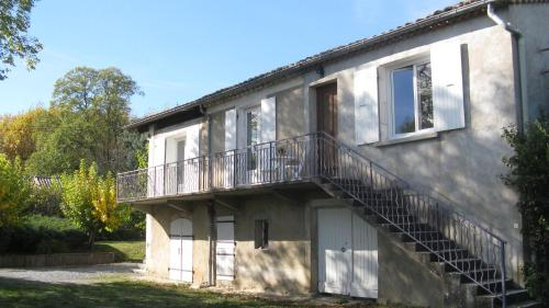Grande chambre au calme, proche d' Aubenas. Sud Ardèche : Guest accommodation near Lachapelle-sous-Aubenas