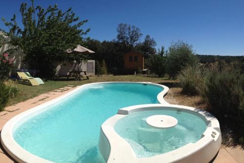 Villa Chemin du Stade : Guest accommodation near La Capelle-et-Masmolène