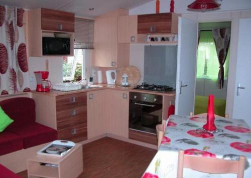 Mobil Home dans Camping les sables du midi : Guest accommodation near Sérignan