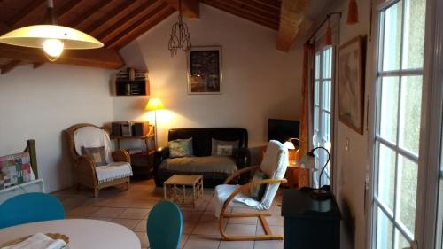 The Pink House : Guest accommodation near Saint-Marcel-sur-Aude