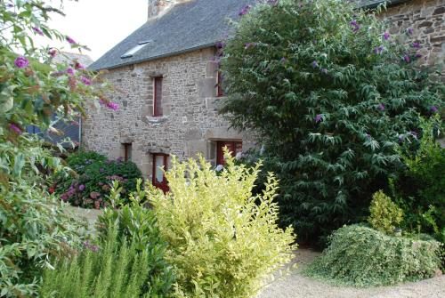 Le Clos Saint Michel : Guest accommodation near Lanrigan