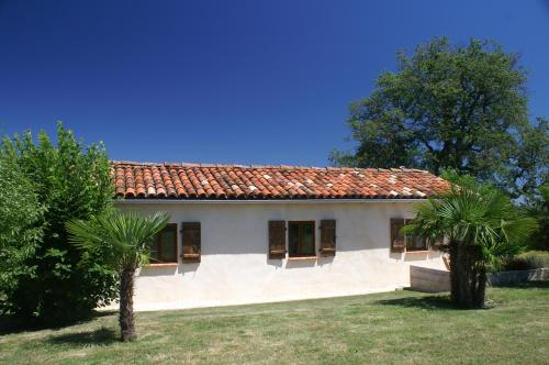 La Porcherie : Guest accommodation near Cazeneuve-Montaut