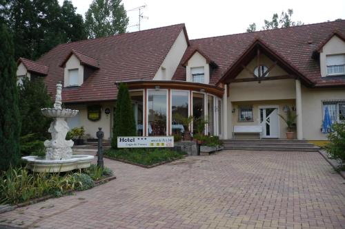 Hotel Sud Alsace : Hotel near Muespach-le-Haut
