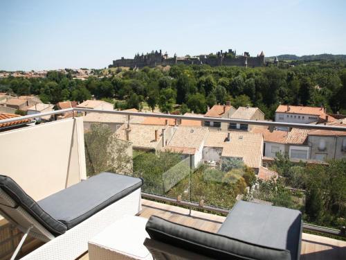 Les Suites du Saint Nazaire - Les Balcons de la Cité : Apartment near Roullens
