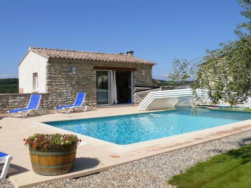 Les Gîtes de La Cavette : Guest accommodation near Castelnau-Valence