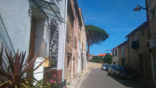 Chez Veronika : Guest accommodation near Villelongue-de-la-Salanque