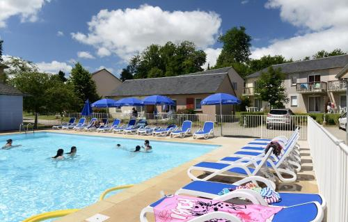 Résidence Odalys Le Hameau du Lac : Guest accommodation near Compolibat