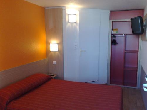 Premiere Classe Deauville Touques : Hotel near Tourgéville