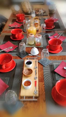 Gites les Tilleuls : Bed and Breakfast near Bellaffaire