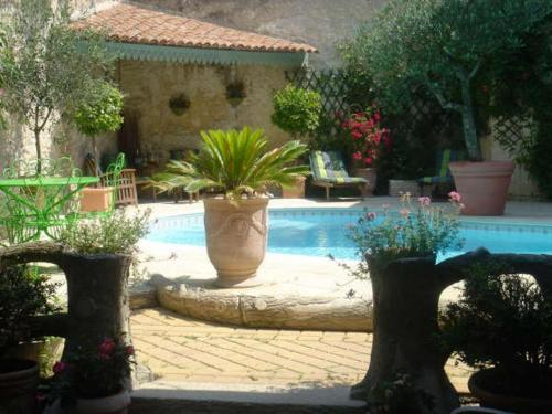 B&B Maison Gaudin : Bed and Breakfast near Gensac-la-Pallue