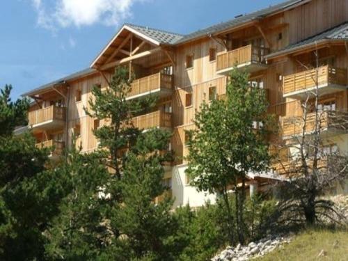 Apartment Les toits du devoluy : Apartment near Montmaur