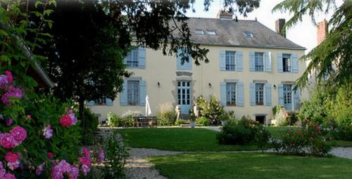 La Grand'Maison : Bed and Breakfast near La Chapelle-de-Brain