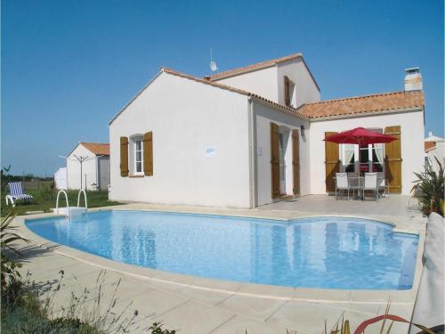 Holiday Home La Versenne : Guest accommodation near Givrand