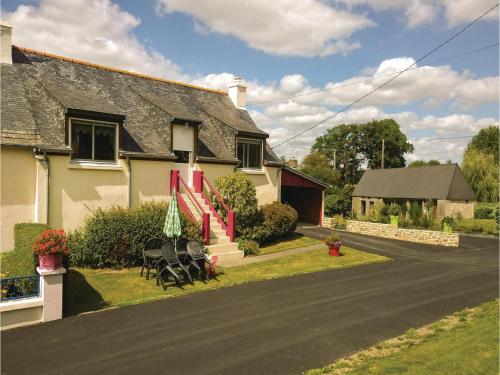 Holiday home Kersoues : Guest accommodation near Saint-Gelven