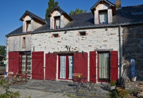 Le Pré Marie : Bed and Breakfast near Vay