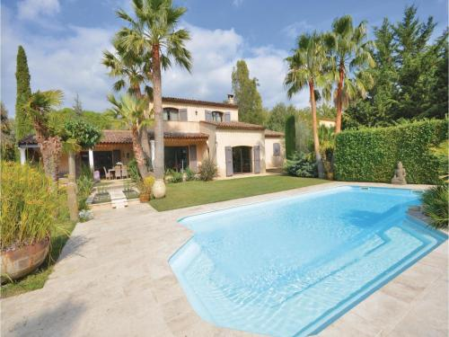 Four-Bedroom Holiday Home in Grasse : Guest accommodation near Peymeinade