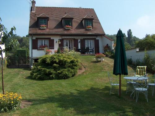 LE JARDIN D'EDEN : Bed and Breakfast near Pontpoint