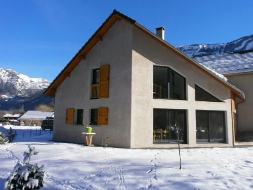 le perce neige : Guest accommodation near Villard-Reymond