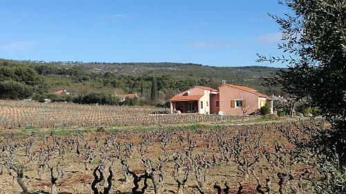 Gite Les Oliviers : Guest accommodation near Le Castellet