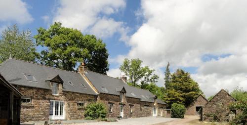 Longère Ville Voisin : Guest accommodation near Comblessac