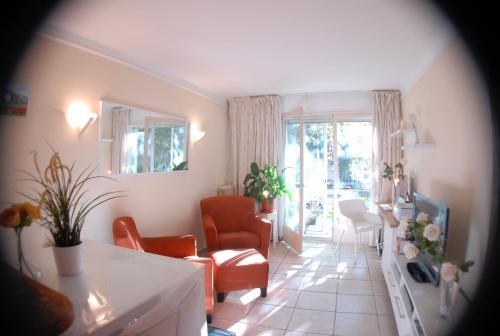 Le petit prince : Apartment near Cannes