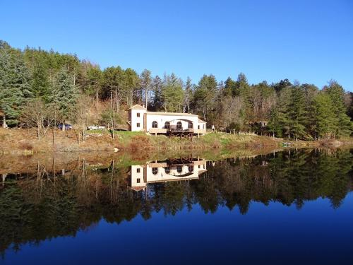 lac du paradis : Guest accommodation near Laroque-de-Fa