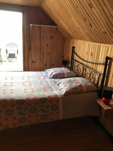 Le chant des oiseaux : Bed and Breakfast near Pierrecourt