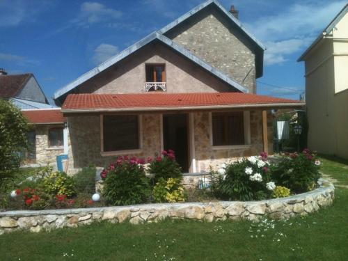 Joumana tourisme : Guest accommodation near Bussy-Saint-Martin