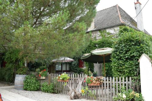 Le Seuil Des Champs : Guest accommodation near Clux