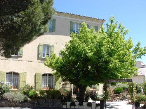 Hôtel Le Siècle : Hotel near Mazan