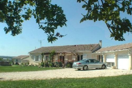 Le Coin de Jeammet : Bed and Breakfast near Bunzac