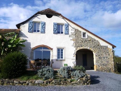 House Endrimons 1 : Guest accommodation near Casteide-Candau
