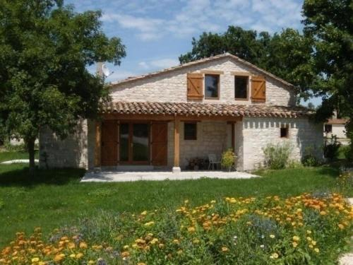 House Flaugnac - 6 pers, 130 m2, 4/3 1 : Guest accommodation near Montfermier
