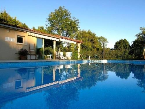 House Gite 4 personnes : Guest accommodation near Issepts