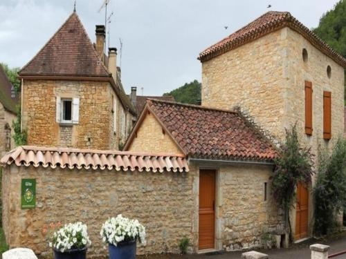 House Le chant de la pierre : Guest accommodation near Ussel
