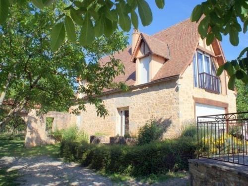 House Les oustals de miramont 2 : Guest accommodation near Tauriac