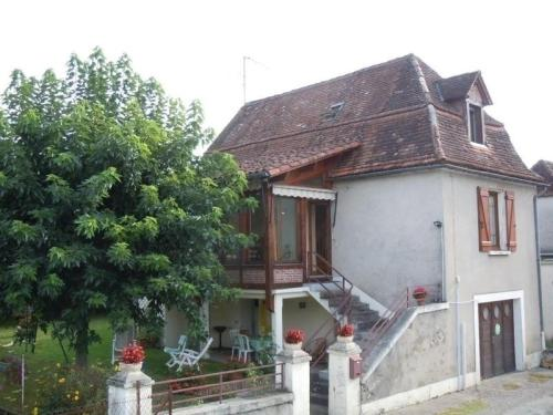 House Puybrun - 6 pers, 90 m2, 4/3 : Guest accommodation near Tauriac