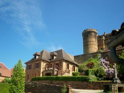 House Au pied du château : Guest accommodation near Saint-Céré