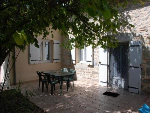 House Le jardin d'eden : Guest accommodation near Brengues