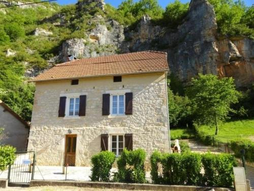 House La maison : Guest accommodation near Tour-de-Faure