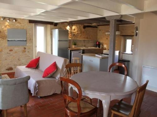 House Le tillou 1 : Guest accommodation near Anglars-Nozac