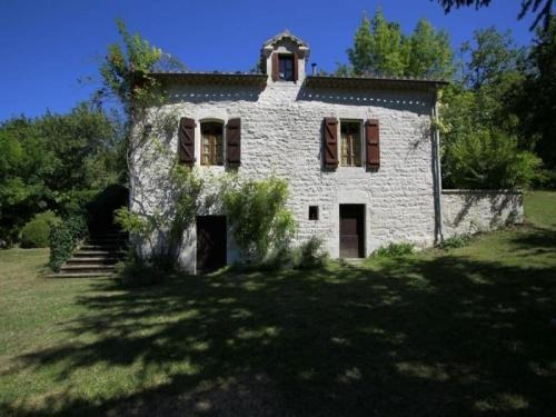 House Gite de leygue : Guest accommodation near Saint-Laurent-Lolmie