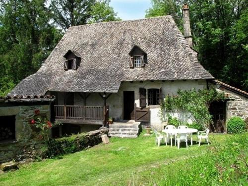 House La maison d'angéline : Guest accommodation near Lamativie