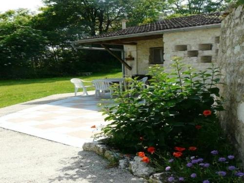 House La bergerie 5 : Guest accommodation near Saint-Laurent-Lolmie